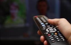 Сон под включенный телевизор ведет к депрессии