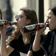Россияне одобряют повышение возрастного ценза на продажу алкоголя до 21 года