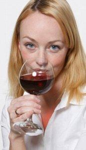 Два бокала вина в день опасны для мозга