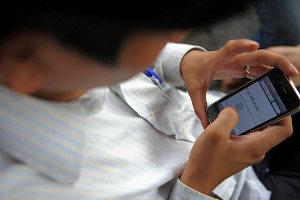 Мобильной зависимости подвержены 100 процентов их обладателей