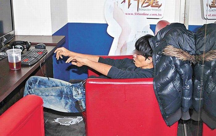 Геймер 6 лет прожил в интернет-кафе
