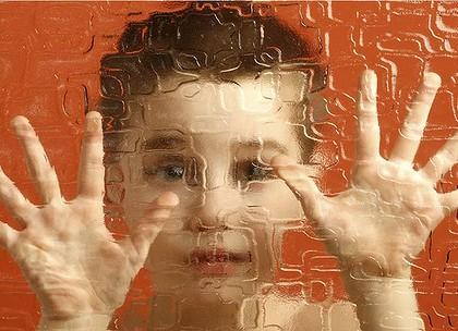 Дети-аутисты обладают «раздельным» слухом и зрением, выяснили ученые