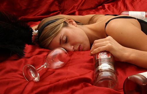 Женщинам лучше не смотреть фильмы с позитивной подачей алкоголя в сюжете
