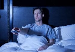 Телевизор на ночь – депрессия на утро