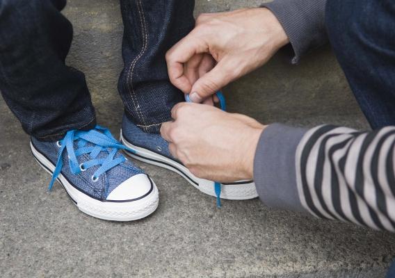 Воспитание самостоятельности: научите ребенка одеваться