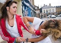 Агрессию подростков стимулирует алкоголь, а не депрессия