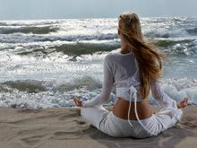 Йога помогает справиться с социофобией