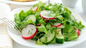 Необычное блюда из огурцов — Салат с огурцом, киви и мятой