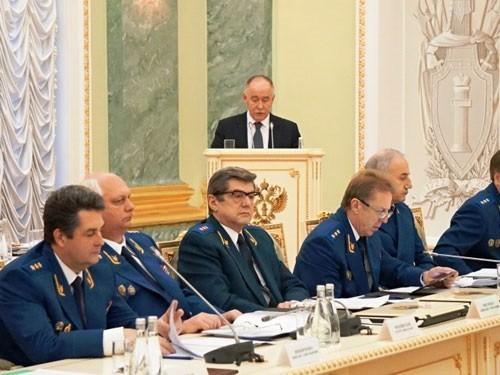 Глава ФСКН предложил упростить продажу наркосодержащих лекарств