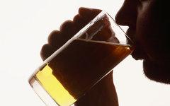Ученые назвали трудоголизм причиной алкоголизма