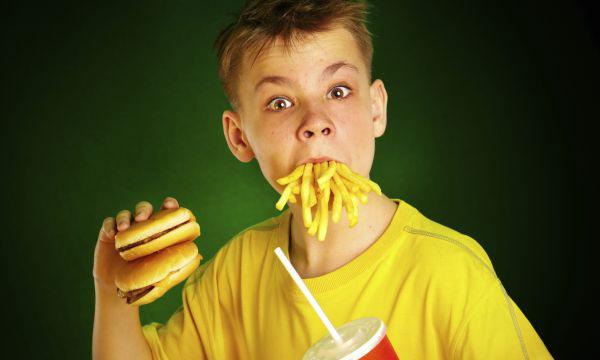 Фаст-фуд влияет на детский мозг