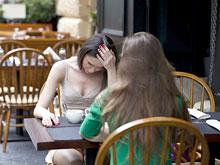 Людям с депрессией трудно смириться с отказами, доказали неврологи