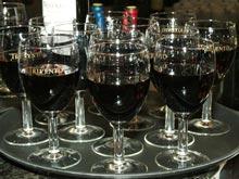 Лучше пить чистые алкогольные напитки и сухое вино