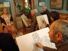 Медики советуют чаще выходить в свет и записаться в кружки по лепке и рисованию