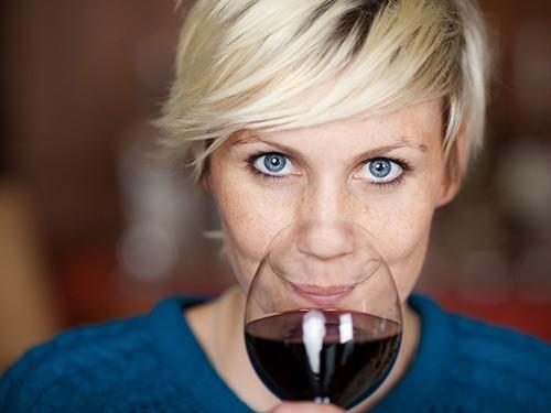 Цвет глаз связали с риском развития алкоголизма