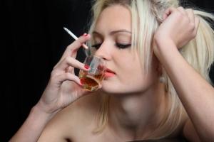 Семейная жизнь спасает от алкоголизма, считают ученые