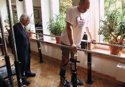 Новый метод терапии помогает парализованным