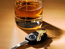 Совсем небольшое количество алкоголя делает человека опасным на дороге