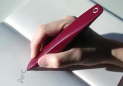 Людям с болезнью Паркинсона способность писать вернет вибрирующая ручка