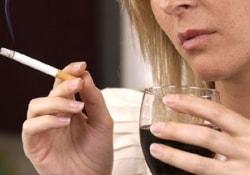 Почему для излечения от алкоголизма нужно расстаться с курением
