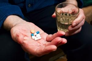 Новый препарат в капсуле поможет справиться с деменцией