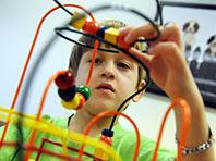 С аутизмом связаны 2500 генов, считают ученые