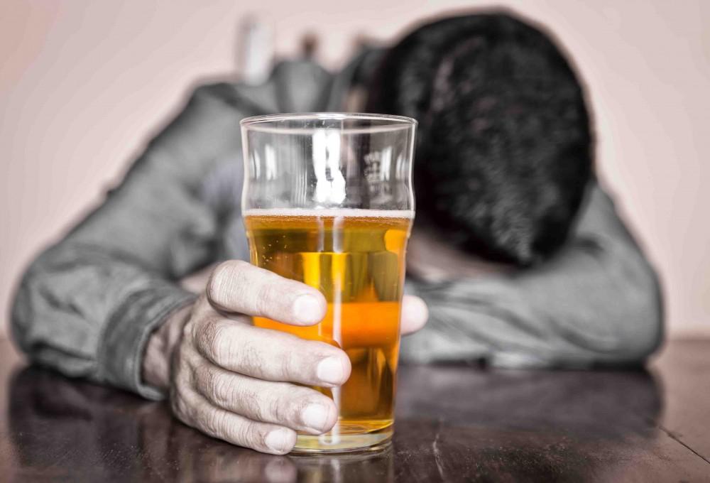 Алкоголики с трудом воспринимают шутки