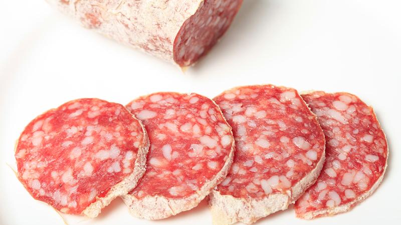 Колбасу и сосиски обвинили в приступах мигрени
