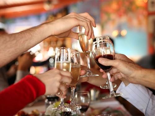 В умеренных количествах алкоголь может быть полезен