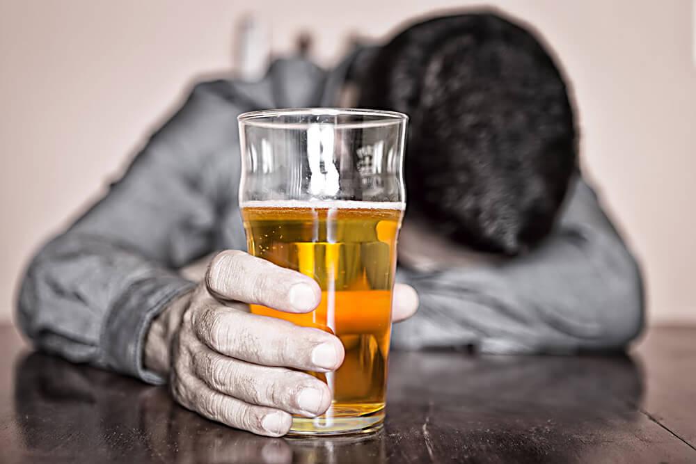 Проявление симптомов алкоголизма в зависимости от стадии развития заболевания
