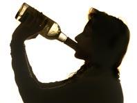 Эксперты рассказали, почему в молодости организм лучше справляется с алкоголем