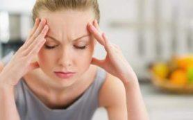 Медики объяснили, почему летом болит голова и что с этим делать