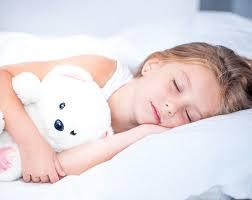 Почему полезно спать на боку