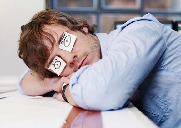 Почему человеку хочется спать после обеда