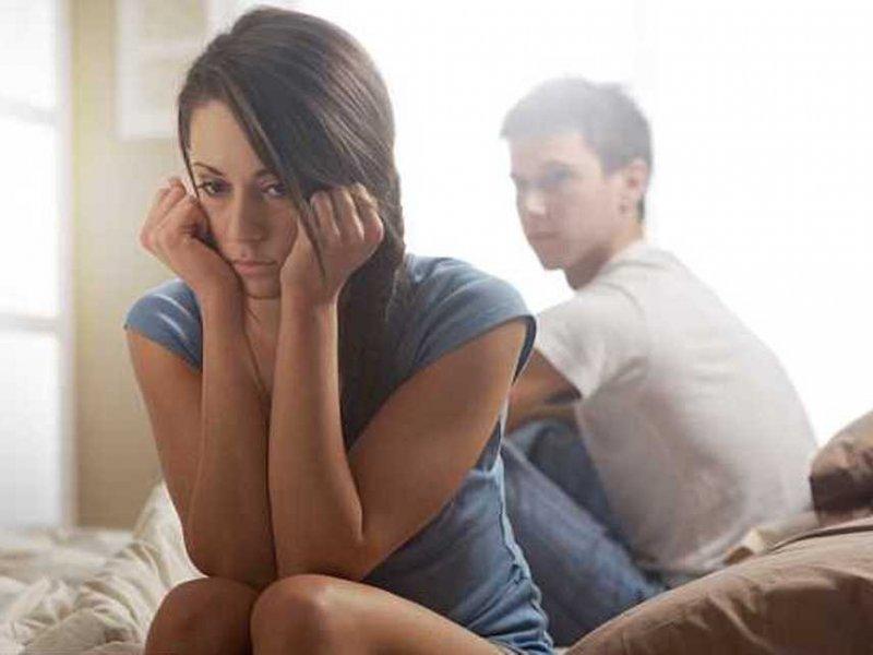 Разводы и потеря близких старят мозг на 4 месяца