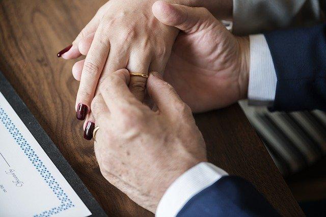 Ученые назвали самый счастливый период в браке