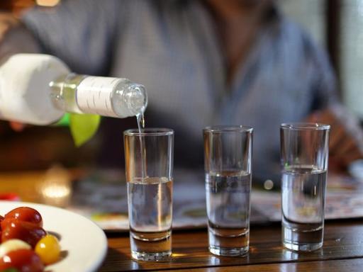 Названа дозу алкоголя, разрешенную к употреблению всем