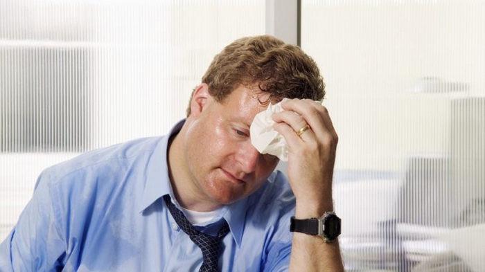 Болезни и стресс: о чем говорит повышенное потовыделение