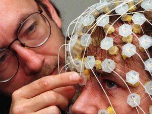 Мозг человека может работать эффективнее: в Китае изобрели специальный шлем