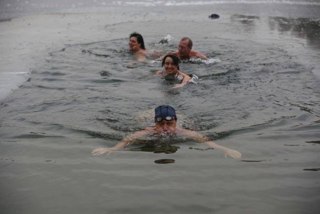 Купание в холодной воде вылечить депрессию