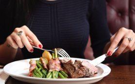 Эмоциональное переедание: что это такое и как с ним бороться