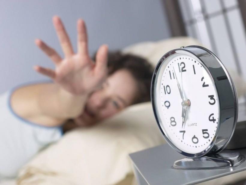 Медик рассказал, как уменьшить стресс от перехода на зимнее время