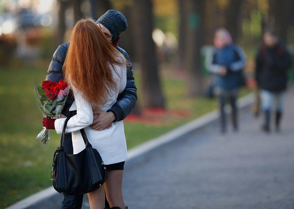 Ученые рассказали, почему нужно обняться после ссоры