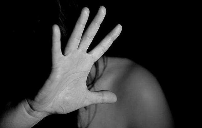 Психиатр рассказал, какая помощь понадобится изнасилованной девушке-дознавателю