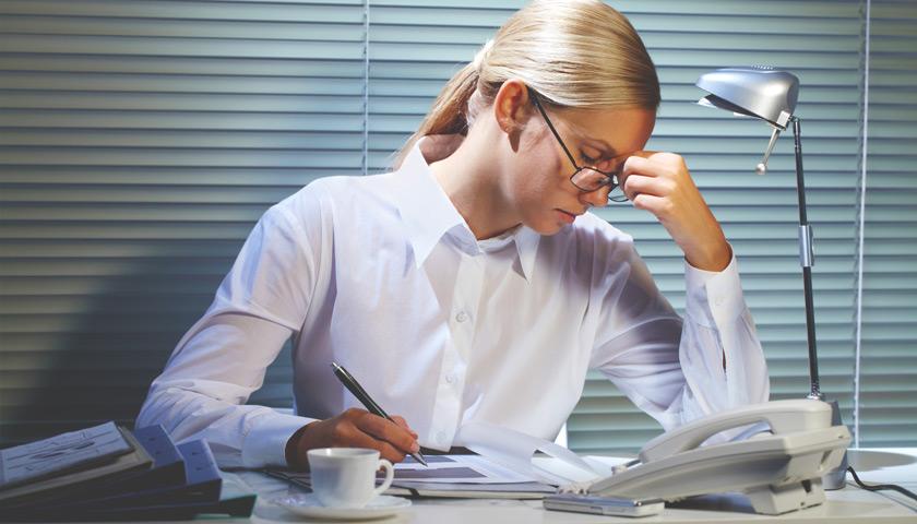 Потеря близкого, увольнение, выход на пенсию: как пережить тяжелый период?