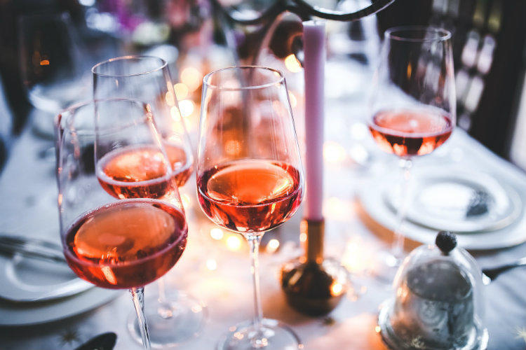 Есть вопрос: как понять, что у вас проблемы с алкоголем