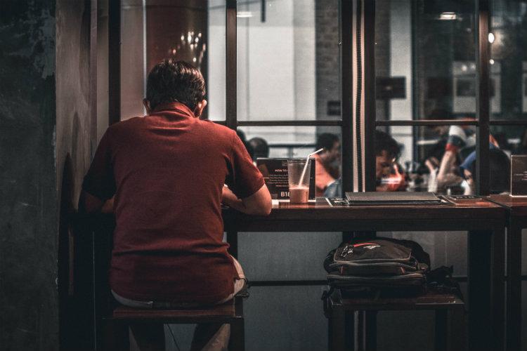 6 важных советов, как вести себя, если у мужчины депрессия