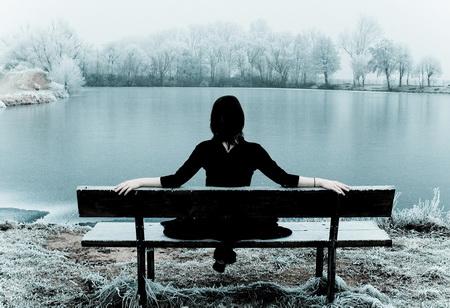 Женское мнение: 37% женщин в России испытывают зимнюю депрессию