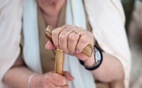 Физически слабые пожилые люди подвергаются высокому риску развития деменции