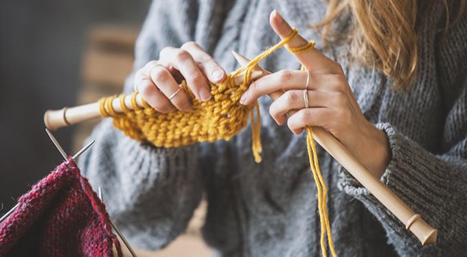 «Справиться с тревожным расстройством мне помогает вязание»